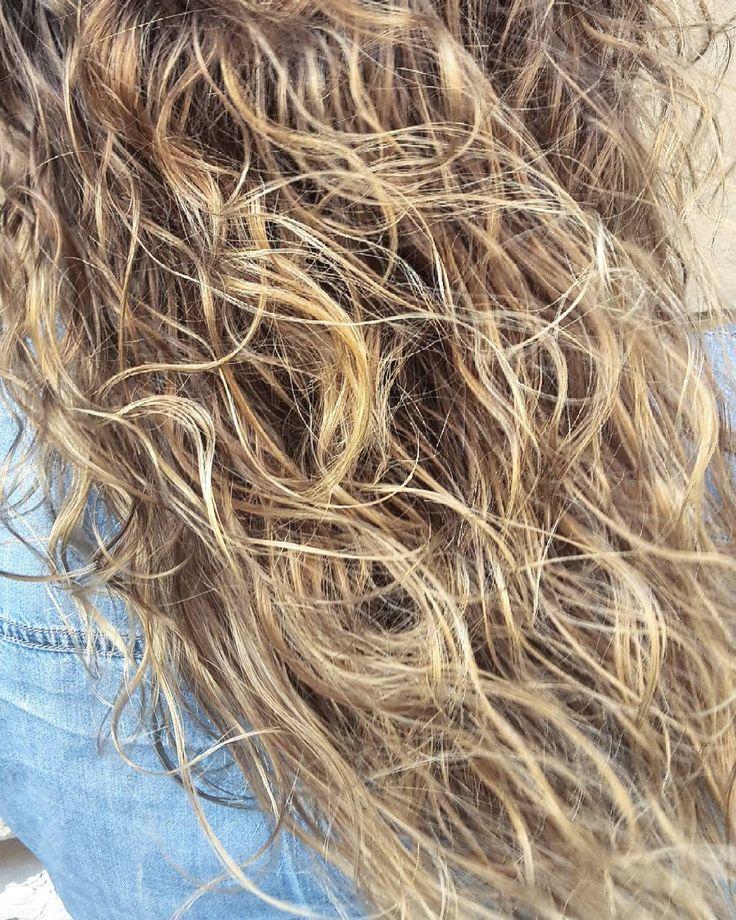 #balayageombre #balayage #blonde #highlights #wavyhair #hair #dailyhair #haircolor #colormebykm #olaplex #olaplexhungary #mik #ikozosseg #instahun #instagood #instahair #instadaily #picoftheday #mscsajkovszkyhair