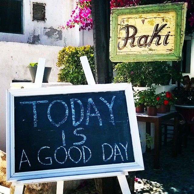 It's a wonderful day! #RakiRestaurant #SantoriniVillas Photo credits: @charchichoo