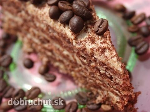 Kávová torta -  Z bielkov a cukru vyšľaháme tuhý sneh, do ktorého zľahka…