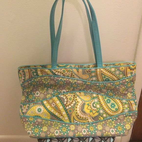 Vera Bradley tote bag Vera Bradley tote bag! Only used a few times!!! Great condition Vera Bradley Bags Totes