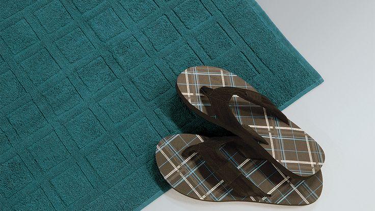 """Mit unserer Badematte """"Secado"""" ist jeder Tritt ein angenehmes Gefühl. Diese Badematte ist in verschiedenen Farben erhältlich und rundet Ihre Badezimmer-Ausstattung perfekt ab. Mit angenehmer Bio-Baumwolle fühlen sich Ihre Füße pudelwohl."""