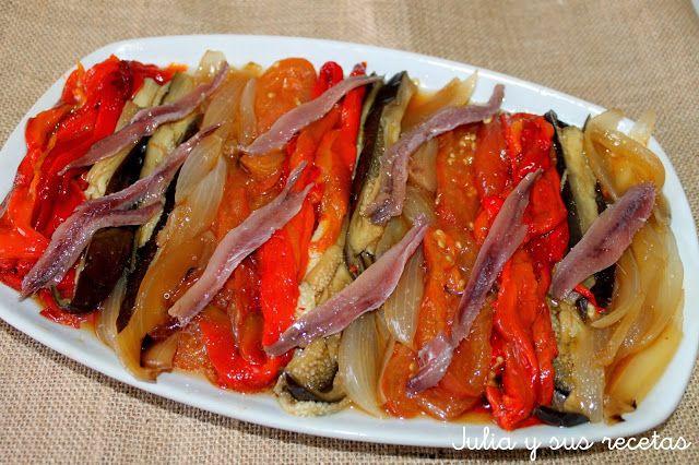 ESCALIBADA - Pimientos, berenjenas y cebollas asados al horno. Pelar y servir frìo aliñado con aceite de oliva y unas anchoas en aceite. Acompañamos con unas tostaditas y .... mmmmm !!!