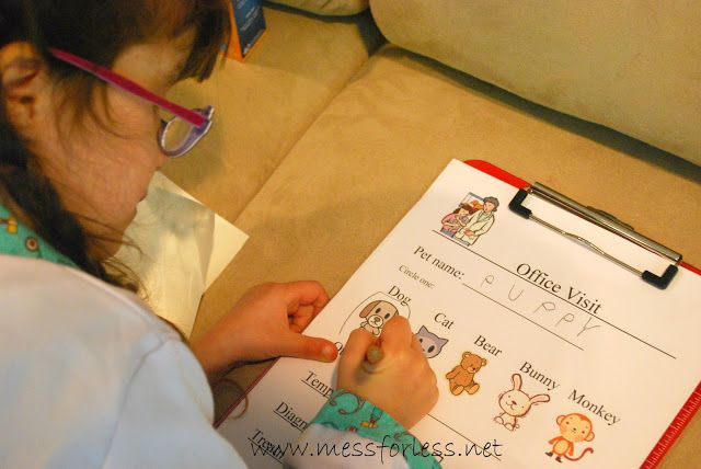 Pretend Play - Vet's Office with Free Printable: