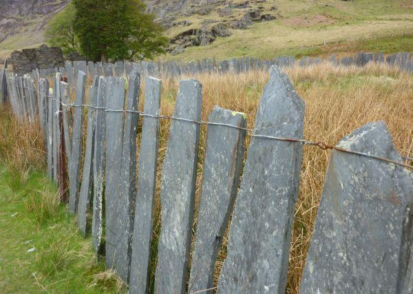 slate-fence.jpg (600×427)