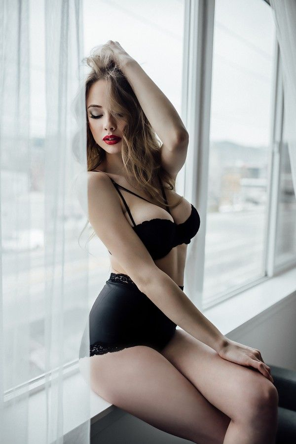 ca0fc75984 These Modern Pin-Up Boudoir Photos Will Take Your Breath Away