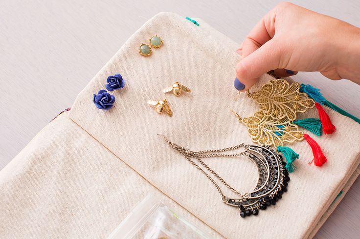 Organize your jewelry with this DIY jewelry caddy.