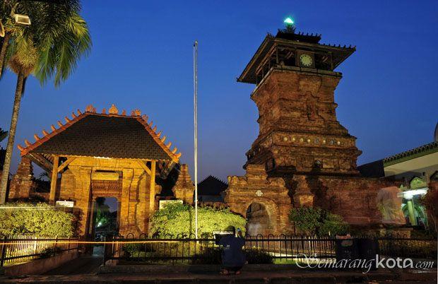 Masjid Menara Kudus : http://semarangkota.com/heritage/masjid-menara-kudus/