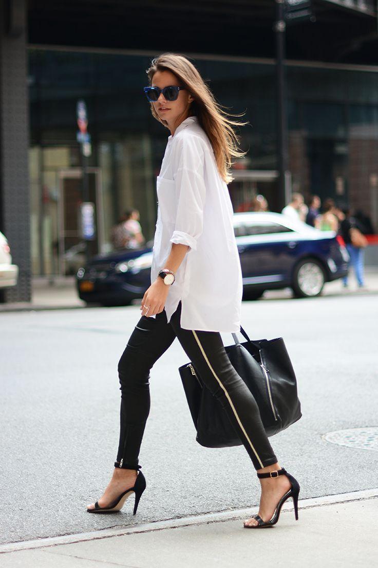 Leggings+kombinieren:+Bürotauglich+mit+Bluse+und+Sandaletten