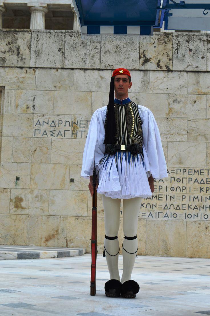 Greece, Athens, Evzones, Parliament building 15-3-2015 Presidential Guard, Προεδρική Φρουρά, Athens, Greek Guard, Evzones, Evzon Εύζωνες