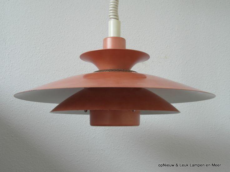 Jeka roze in lamellen. Model Capri 60's
