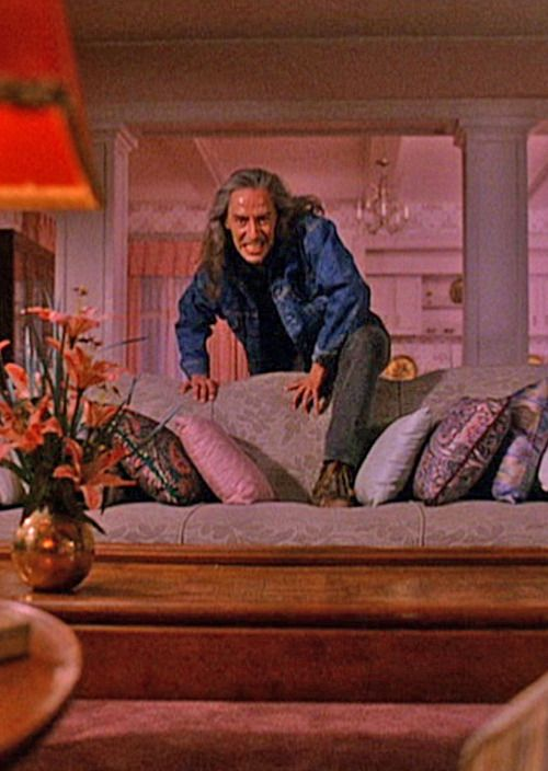 One of the most terrifying moments of TWIN PEAKS... BOB slowly climbing over the couch... ooohh! #twinpeaks