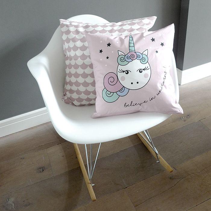 Hip Huisje: Roze kussen, believe in unicorns.  Meisjeskamer.
