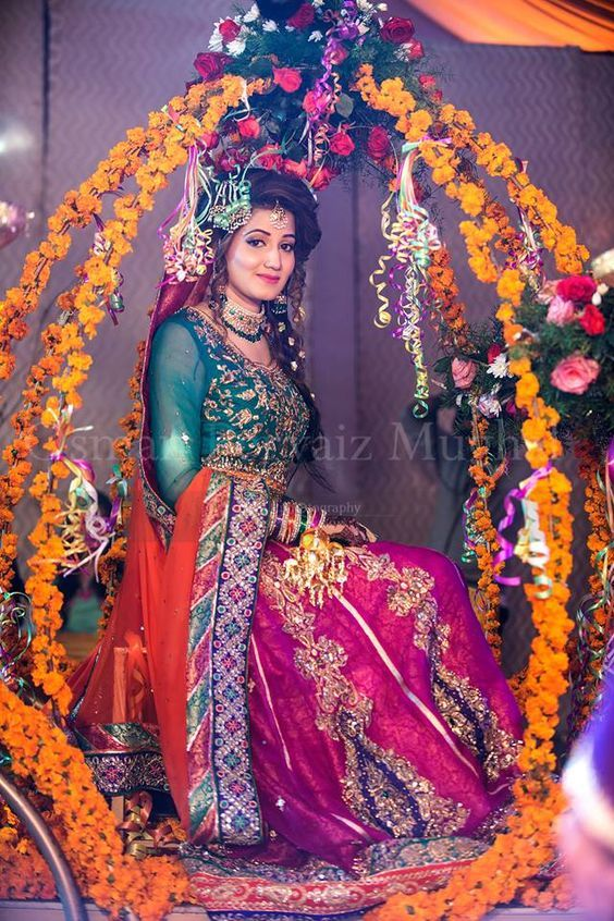 Pakistani Mehndi Dresses 2017 For Wedding Brides | BestStylo.com
