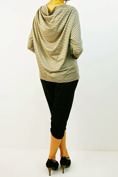 Patrón gratis: blusa con pliegues en escote y espalda drapeada