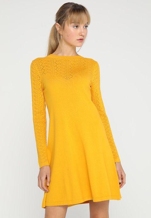 636ffd675d22 Stickad klänning - dunkelgelb @ Zalando.se 🛒 | önskelista | Dresses ...