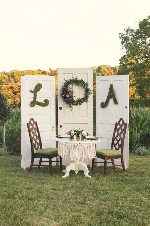 vintage sweetheart table ideas http://www.weddingchicks.com/2013/10/01/plum-and-gold-wedding/