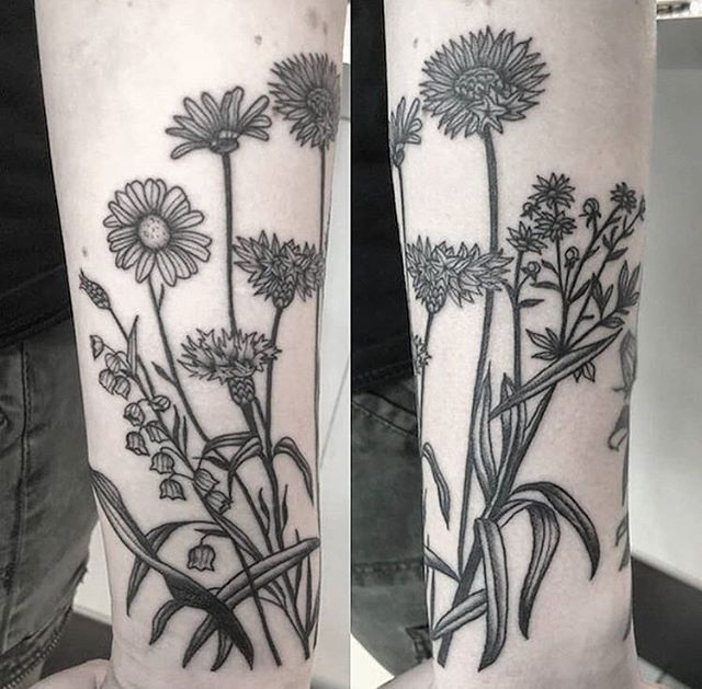 Floral Design By Artist Matthewrubitattoos Royalfleshtattoo Chicago Chicagotattooartist Tattoo Chicagotattooer Flesh Tattoo Tattoos Chicago Tattoo Shops