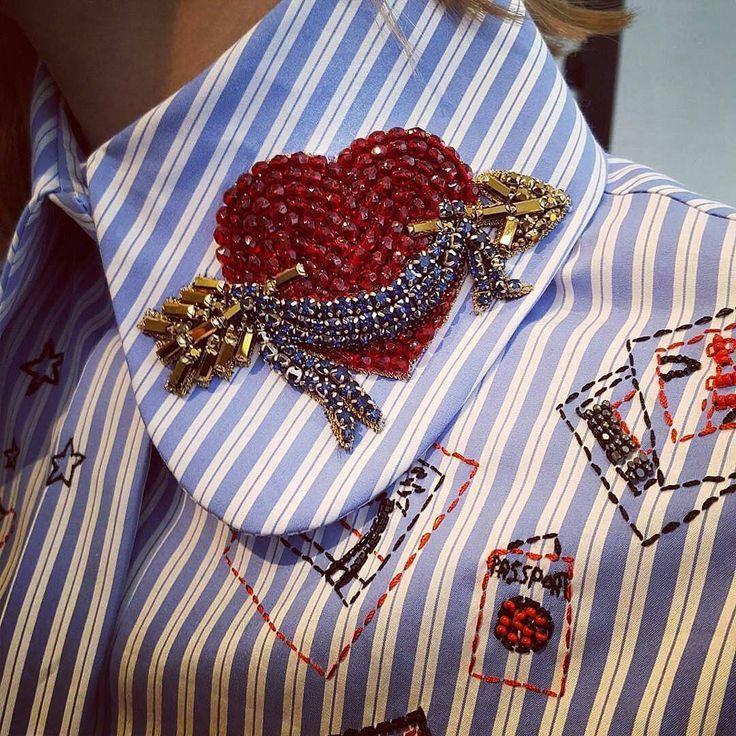 564 отметок «Нравится», 1 комментариев — ВЫШИВКА & ДИЗАЙН & ДЕКОР (@embromania) в Instagram: «By @dicekayek ✔ Сердце пронзенное стрелой✔ . . . ➖➖➖➖➖➖➖➖ #embroidery #embellishement #sequins…»