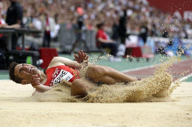 04.07 L'Australien Fabrice Lapierre lors de la compétition de saut en longueur, au Meeting de Paris.Photo: AFP
