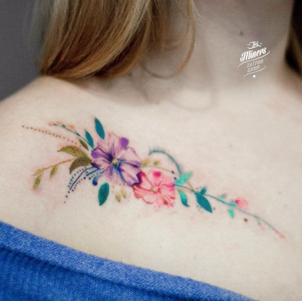 Floral collarbone tattoo by Magdalena