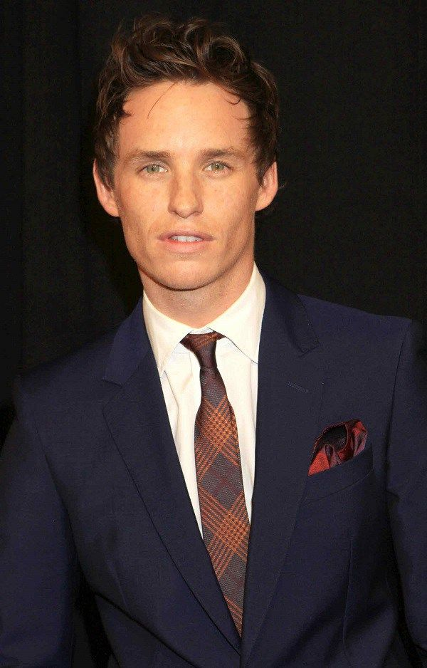 Eddie Redmayne Height Weight Biceps Size and Body Measurements  CelebWikis
