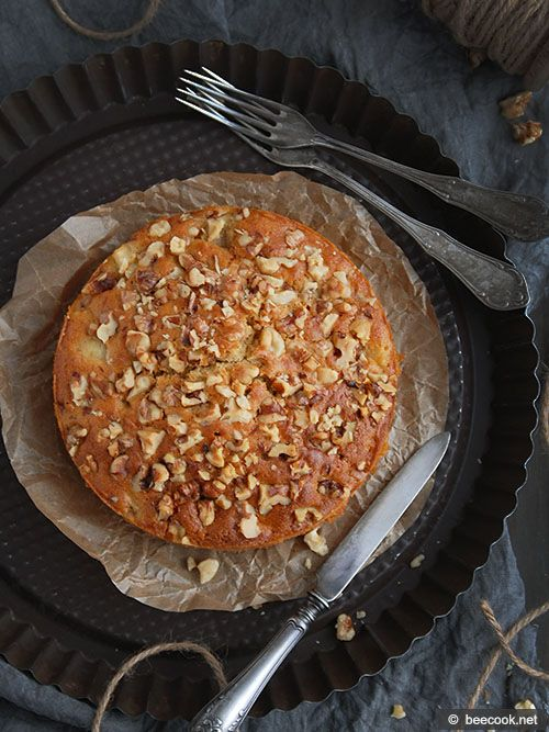 Пирог с грушами и грецкими орехами