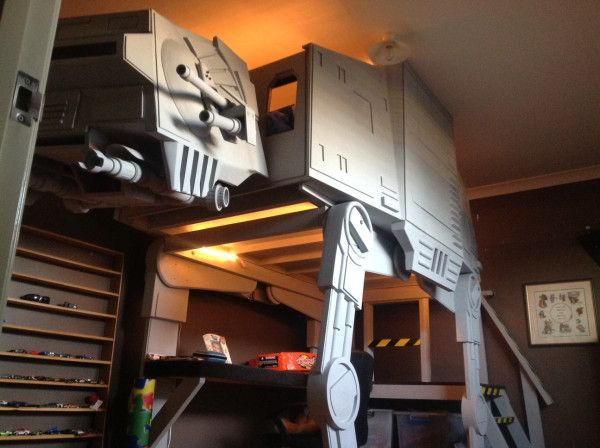 An amazing star wars AT-AT bunk bed a (dedciated and skilled dad) made for his kid, Wow!