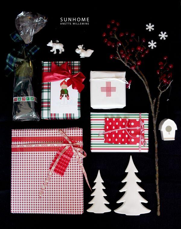 Anette Willemine: Rødt - gaveinnpakking. Julekort fra Cecilie design