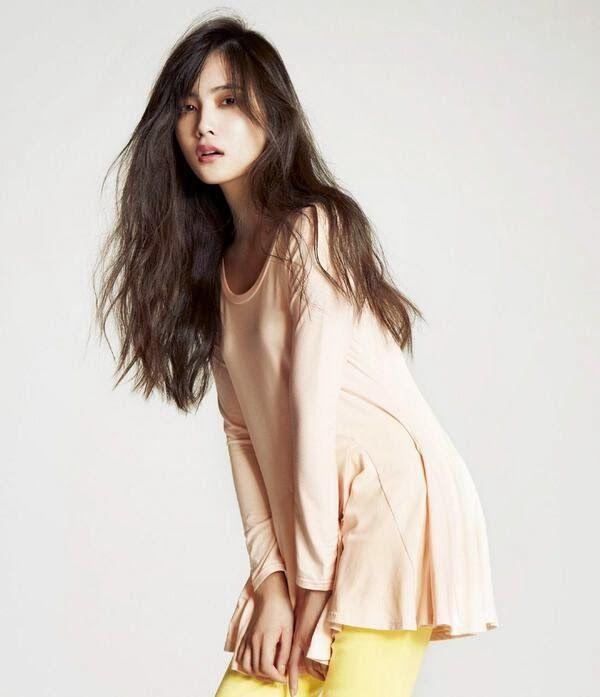 AKB48 Anna Iriyama Cool Colors Hot Idol Peach John Model