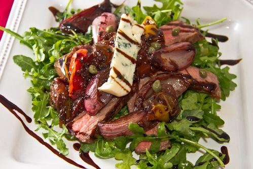 Angela's Food Love - Food Blog - steak salad with maytag and wine-roasted shallots: dinner salad has never been better