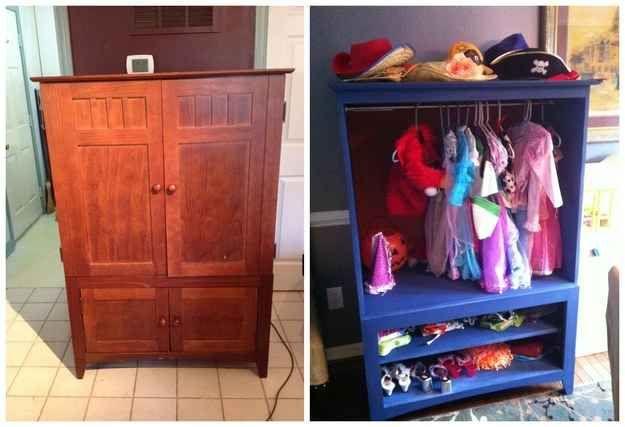 Un meuble télé peut être transformé en armoire à déguisements.
