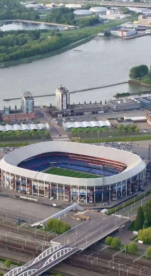 """""""De Kuip"""" voetbalstadion van Feyenoord op Rotterdam-Zuid"""