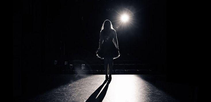 Senior Portrait / Photo / Picture Idea - Girls - Theater / Drama