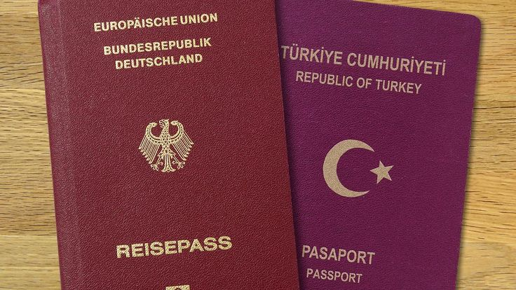 Verschärfung der Sicherheitsgesetze: Union will doppelte Staatsbürgerschaft abschaffen