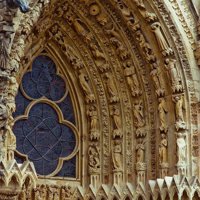 Reims Cathedral, sculpture, west portal - close up of the sculptures