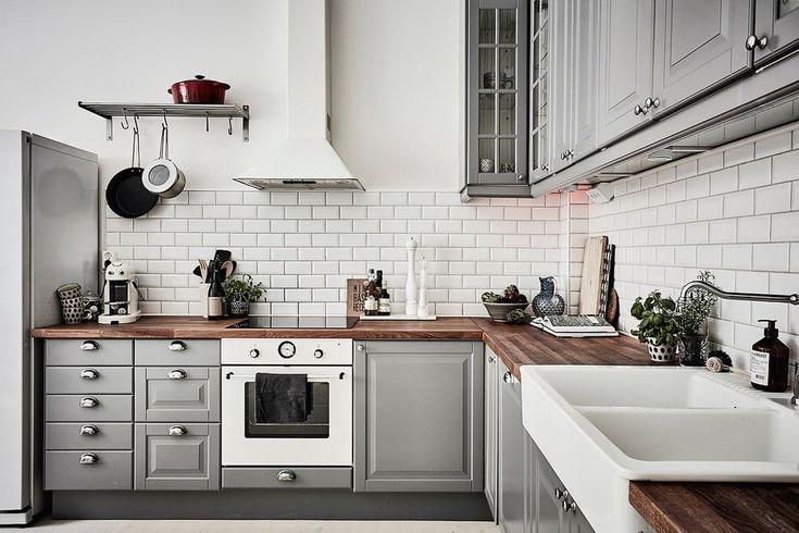 Кухня/столовая в  цветах:   Светло-серый, Серый, Черный, Бежевый.  Кухня/столовая в  стиле:   Скандинавский.