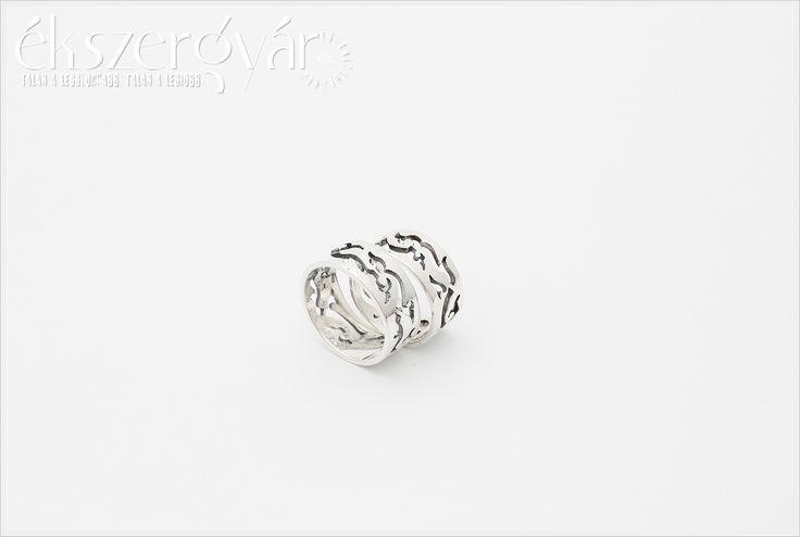 Sterling silver wedding rings. 925-ös ezüst áttört jegygyűrűk.