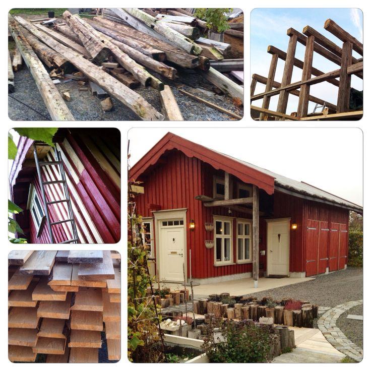 Uthus med garasje og atelier. Moro å ha skapt et slikt bygg i kombinasjonen gammelt og nytt treverk.