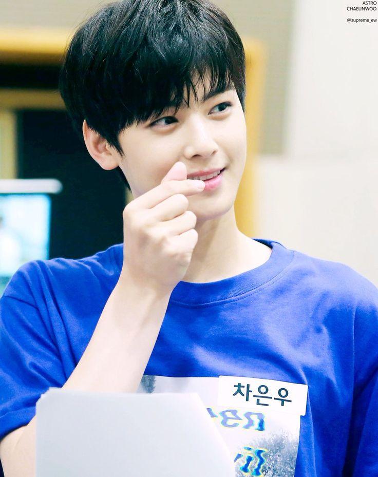 Cha Eunwoo : Photo EunWoo de azul é minha religião