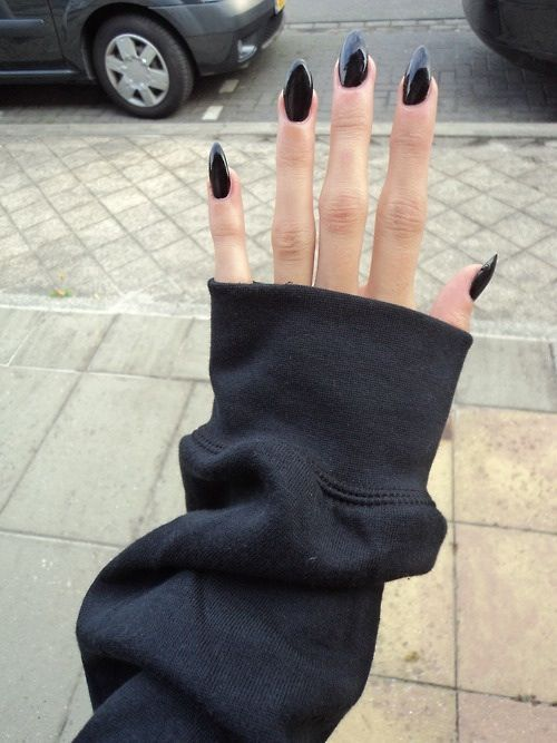 Black almond shape nails