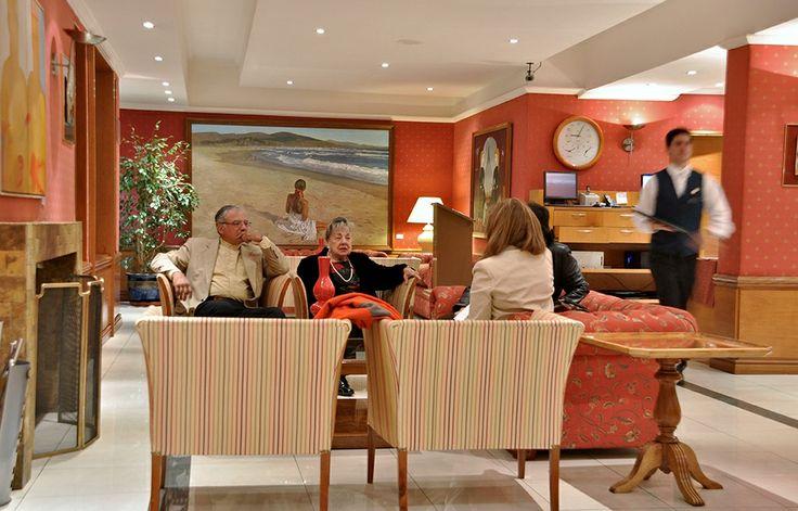 Nuestro acogedor sector living chimenea.   #HotelSanMartin #HSMChile #ViñadelMar #Turismo #ThisisChile #HSM #VRegion #Hotel