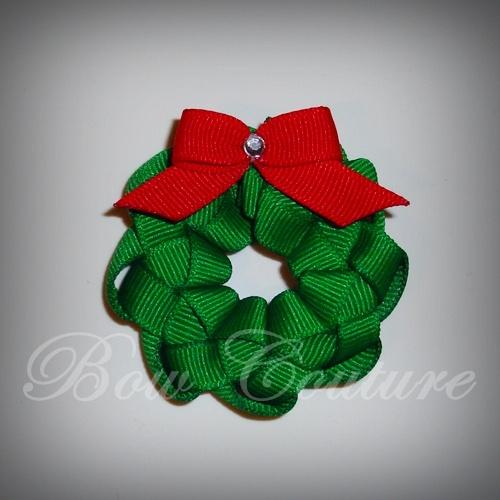 Sculpted Ribbon Christmas Wreath