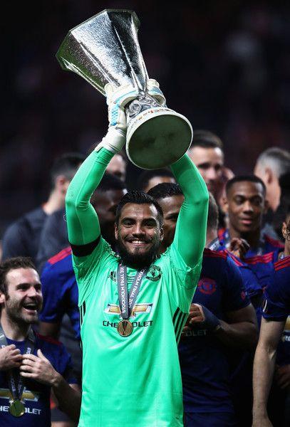 The Best Europa League Trophy Lift