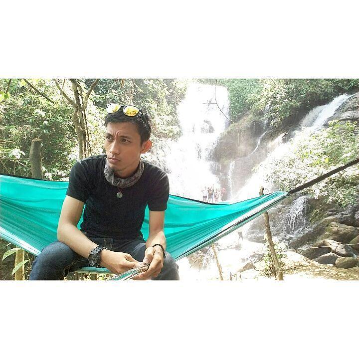 Perjalanan yang penuh cerita dengan keluarga MTC @ . . . . . Location : curup lemutu  ds. Pagar dewa. . . . #instagood #mtma #mtc #explorer #explorermuaraenim #explorersumsel #explorerindonesia #nicetrip #hammock #hammocklife #adventure #photogenic #muaraenimcetar #muaraenim #dutapariwisata #parapejalanpalembang #bgkecepalembang #likeforlike #autolike #instaglike by @rahmansaputra22