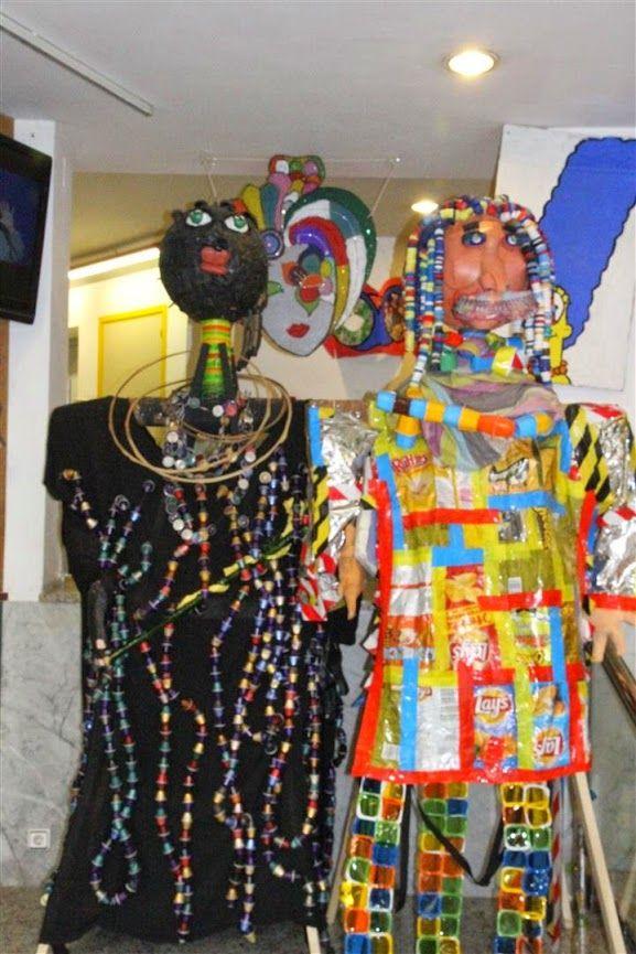 EL REI CARNESTOLTES - Material: Fusta, roba, cautxú, càpsules nespresso, elements diversos - Nivell: ESO 2014-15