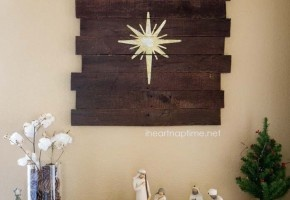 DIY pallet art tutorial and a Christmas Nativity scence on Christmas Decor