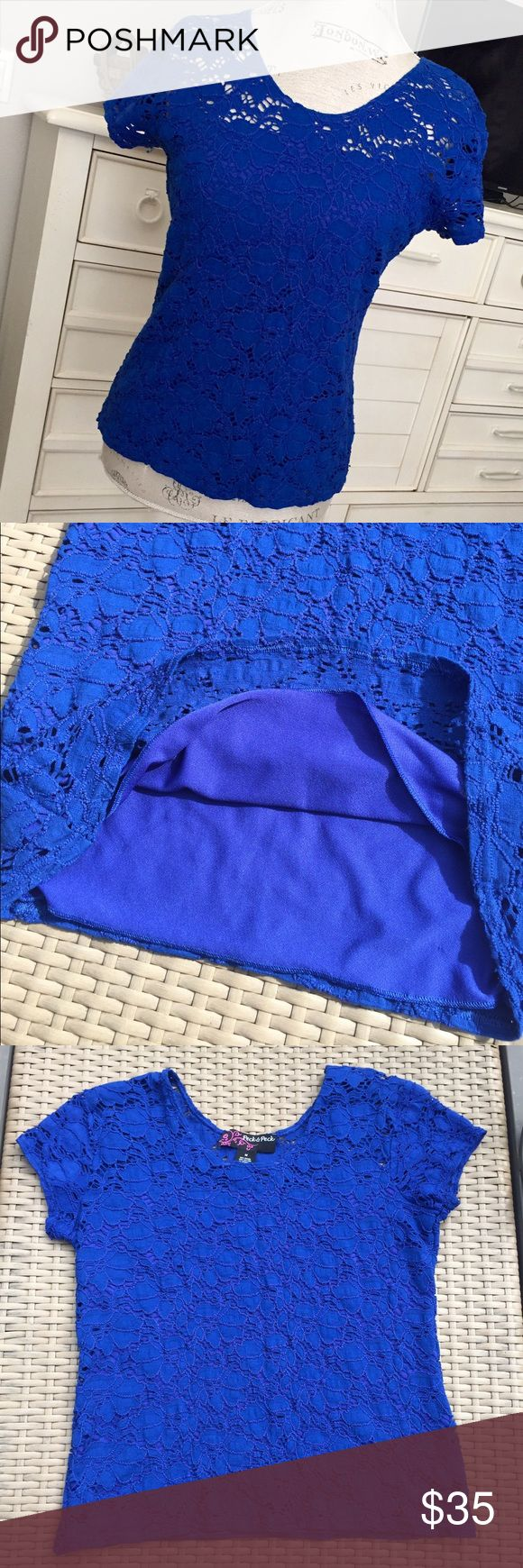 "Peck & Peck lace lined royal blue short sleeve top Beautiful & comfy to wear with a pair of shorts or to dress it up for the office or evening! Royal blue stylish & feminine top...this won't last long! 23"" in length & 19"" armpit to armpit. Peck & Peck Tops Tees - Short Sleeve"