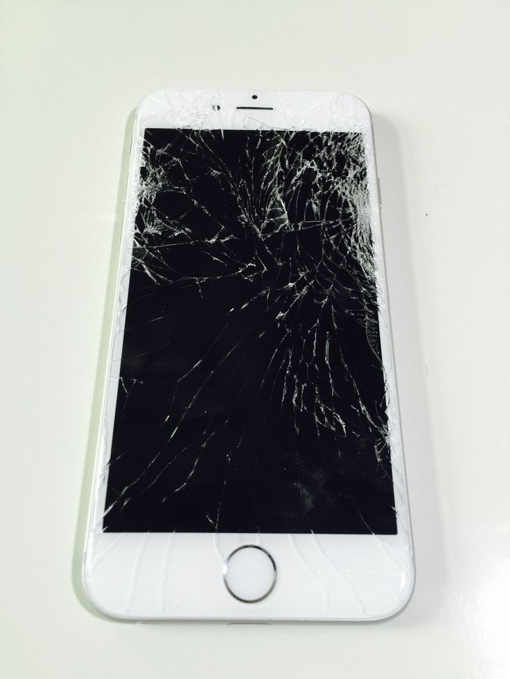 Poškozený iPhone 6 / Destroyed iPhone 6