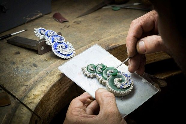 New Handmade Jewelry Collection by Van Cleef & Arpels | Update yourself in http://bocadolobo.com/blog/art/new-handmade-jewelry-collection-by-van-cleef-arpels/