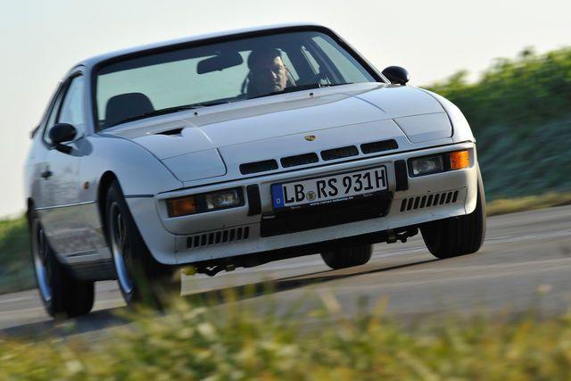 """""""Ein richtiger Porsche?"""", fragte auto motorundsport im Februar 1976 beim ersten Test des neuen Porsche 924. """"Nein!"""", meinen viele Porsche-Anhänger bis heute. Aber das Image der Transaxle-Vierzylinder wandelt sich gerade."""